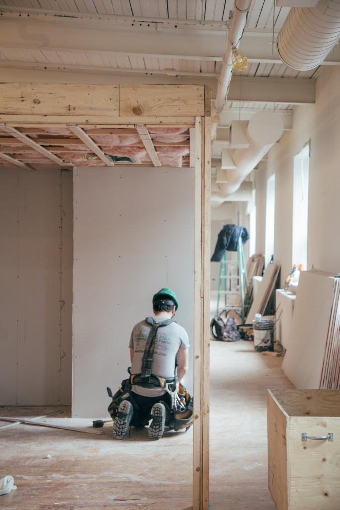 Handwerker beim Innenausbau