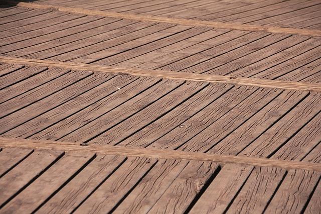 Fussboden Holzterrasse mit Tropenholz